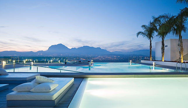 The infinity pool at Sha Wellness Clinic